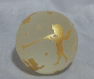 Correia Art Glass Paperweight Gold And Frosted Etched Angels