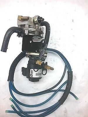 Oil Lift Pump & Manifold, 1999 150hp Evinrude Ficht