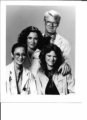 St Elsewhere signed / autographed 8x10 BW cast photo by all 4