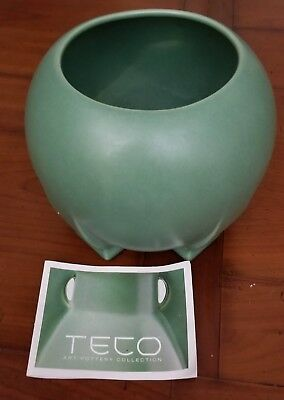 Prairie Arts Teco Art Pottery Collection Orb Footed Vase, Green Glaze