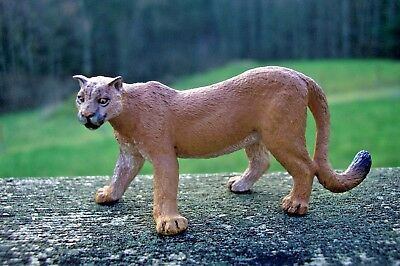 Papo brand Puma Cougar Mountain Lion retired 2014 PVC big cat wildcat figure!