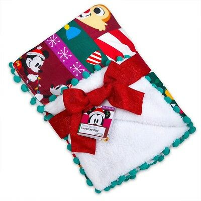 Disney 2018 Mickey and Minnie Holiday Fleece Throw Blanket New