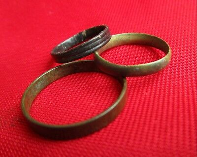 Ancient Roman wedding rings / Lot with 3 pieces . Bronze .  No 9