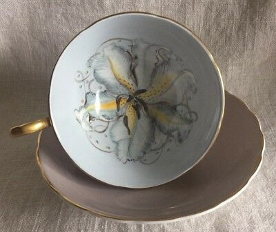Beautiful SUSIE COOPER Teacup & Saucer Decorated with Lily and Gold Trim