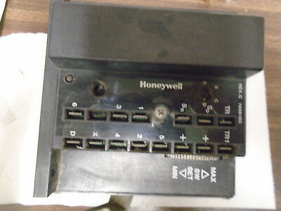 "Honeywell M8405A1006 Modulating Damper Acturator --""USED"""