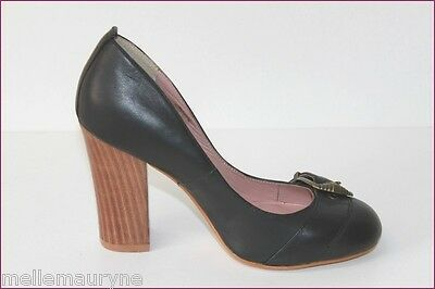 ANDRE Leather Court Shoes Black Tips Round Hauts Heels T 35 TOP CONDITION
