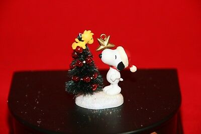 Miniature Hallmark Ornament Winter Fun With Snoopy 2004 NIB
