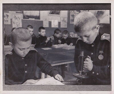 RUSSIAN CHILDREN IN SCHOOL * New York from PM * VINTAGE 1944 RUSSIA photo