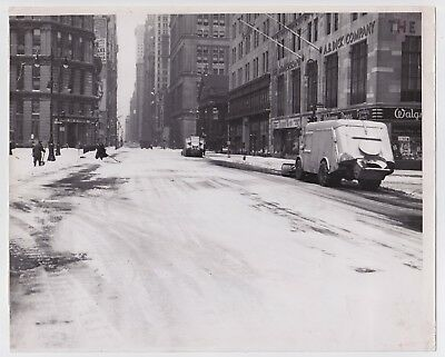 BROADWAY SNOWSTORM by IRVING HABERMAN * NEW YORK from PM * VINTAGE 1948 photo