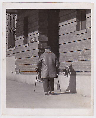MEDICAL CLINIC by MORRIS GORDON * New York from PM * Rare VINTAGE 1942 photo