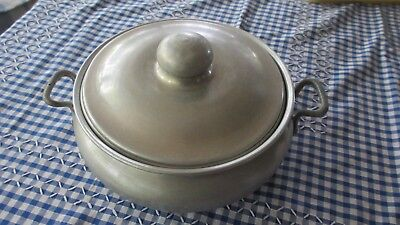Vintage old Kooka Brand Aluminium  Dish with cover holds 2 litres with Handles