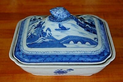 """18th / 19th c.Chinese Export Canton Rain Clouds Blue & White Covered Dish 9.25"""""""