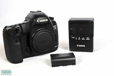 Canon EOS 5D Mark III Digital SLR Camera Body {22.3 M/P} Count: 17,376