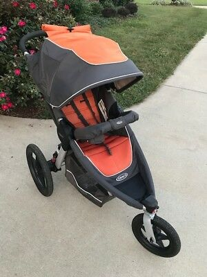 Graco Relay Click Connect jogging stroller All