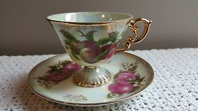 Japan Fine China Luster Fruit Red Apples Gold Trim Footed  Tea Cup & Saucer
