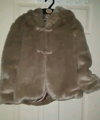 M&S Autograph GIRLS FAUX FUR COAT With HOOD Size 9-10. Years RRP£50
