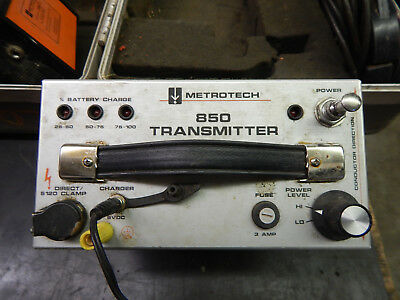 Metrotech 850 Transmitter Receiver case cable / pipe locator