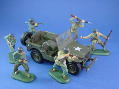 BRITAINS SUPER DEETAIL WWII US Infantry w Diecast Jeep Willys 7 Pieces FREE SHIP