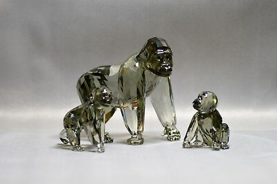 Swarovski - Gorilla's and 2 Cub's - Immaculate - Endangered Wildlife Collection