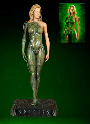 H.R. Giger Species HCG Exclusive 1:4 Scale Sil Statue Holywood Collectibles RARE
