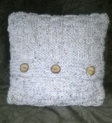 Knitting kit for a gorgeous cushion cover