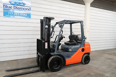 2012' Toyota 8FGU25, 5,000# Pneumatic Tire Forklift, Dual Fuel, Triple Sideshift