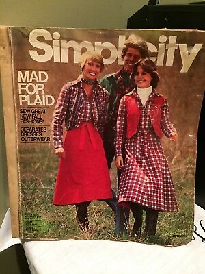 Vintage SIMPLICITY Sewing Pattern Catalog Counter Book 1976 October autumn