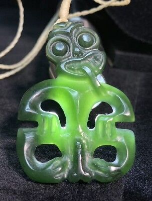 Old Rare PRE-COLUMBIAN Ancient Hei Tiki MAN Jade Figure NECKLACE PENDANT Amulet