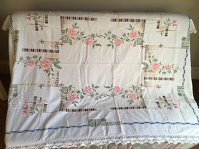 vintage 1940s hand embroidered tablecloth Classic period style beautiful