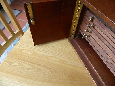 Antique 19th Century Mahogany Coin Collectors Cabinet - Twin Door with Key