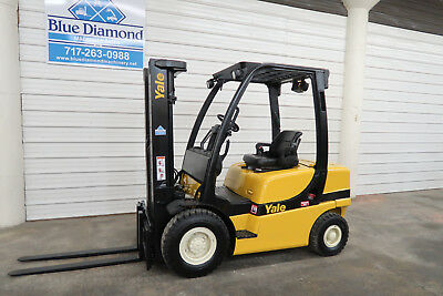 2008' Yale GP050, 5,000# Pneumatic Tire Forklift, 3 Stage, Sideshift Forks