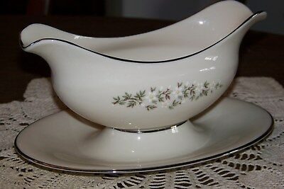 Lenox USA - Brookdale H500 - Gravy Boat w/ Attached Underplate - Superior Cond.