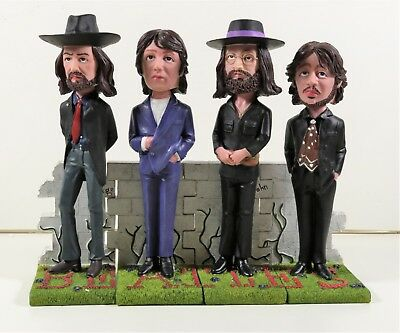 The Beatles 4 Interconnecting Bobble Heads (668)