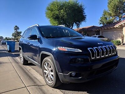 2014 Jeep Cherokee limited Jeep Cherokee Limited 3.2L 4x4 in excellent condition!