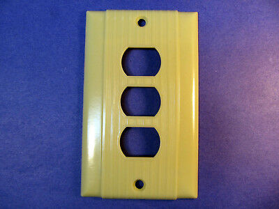 Vintage Art Deco Despard Ivory Bakelite Ribbed Electrical 3 Outlet Plate