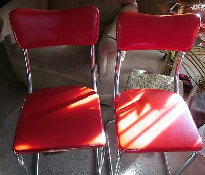 VTG.50's/ 60's  Diner Formica Table with 4 red chrome chairs