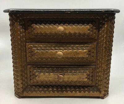 LARGE ANTIQUE TRAMP ART WOOD FOLK ART JEWELRY TRINKET BOX - chest of drawers