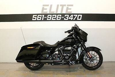 2018 Harley-Davidson Street Glide Special FLHXS  Low Miles Factory Warranty SAVE THOUSANDS 1265 miles 561-926-3470 FINANCING
