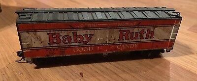 TYCO HO BOX TRAIN 40 FT Babe Ruth Reefer Box spring loaded Trucks KDs.Weathered