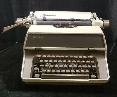 Working RARE 1974 Royal 470 Standard Manual Typewriter, Heavy 70TH ANNIVERSARY