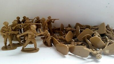 39 X new issue Airfix 1/32 WW2 British Paratrooper figures - mostly VGC