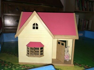 Sylvanian Families Calico Critters Rose Cottage Starter Home with accessories
