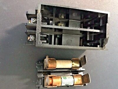 GE TRC230 Pullout Holder Block 240V 30A With Fuses