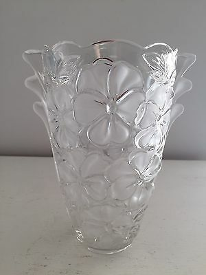 Beautiful Walther-Glas Frosted Primrose Satinised Art Glass Vase