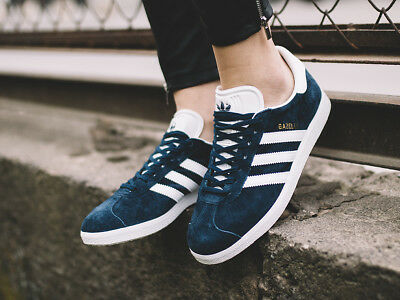 Genuine Adidas Gazelle originals Classic Navy/White Trainers Shoes  brand new ib