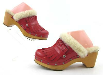 UGG Australia Kiltie Clog Mules RED Patent US 9 / Perfect Christmas Shoes!
