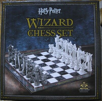 Harry Potter WIZARD CHESS SET The Noble Collection - great present for H. P. fan