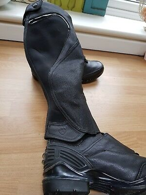 Ariat Volant Boots & Chaps