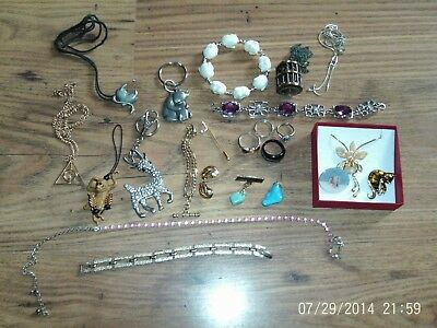 Mixed Job Lot Vintage + Modern Costume Jewellery Brooch Ring Necklace Etc