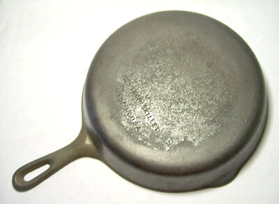 """WAGNER WARE (UNMARKED)~ Vintage Heavy Duty Cast Iron 11.75"""" SKILLET (#10 A)~ USA"""
